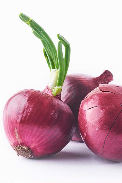 القيمة الغذائي ة للبصل الأحمر Onion Vegetables