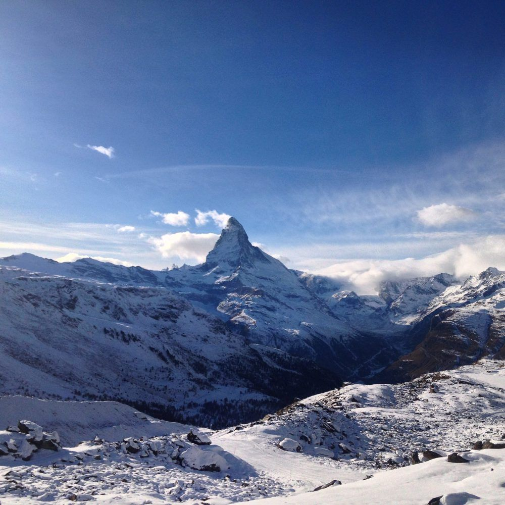 Zermatt, Switzerland – Beautiful Views & Delicious Crepes The Matterhom Glacier Paradise View Point is an #experience that no one should miss! #Breath taking views and, back in town, #Stephanie's Creperie.#Banana and #Nutella crepe is for real #lovers!#traveltip #travel #tip #mountains #ski
