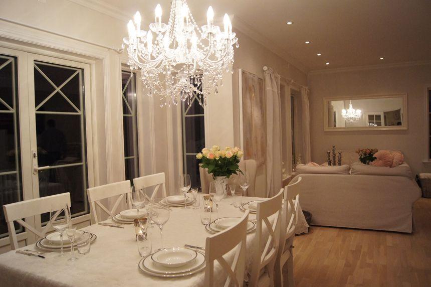 Fotballfrue caroline berg eriksen home dining for Decorative items for dining room
