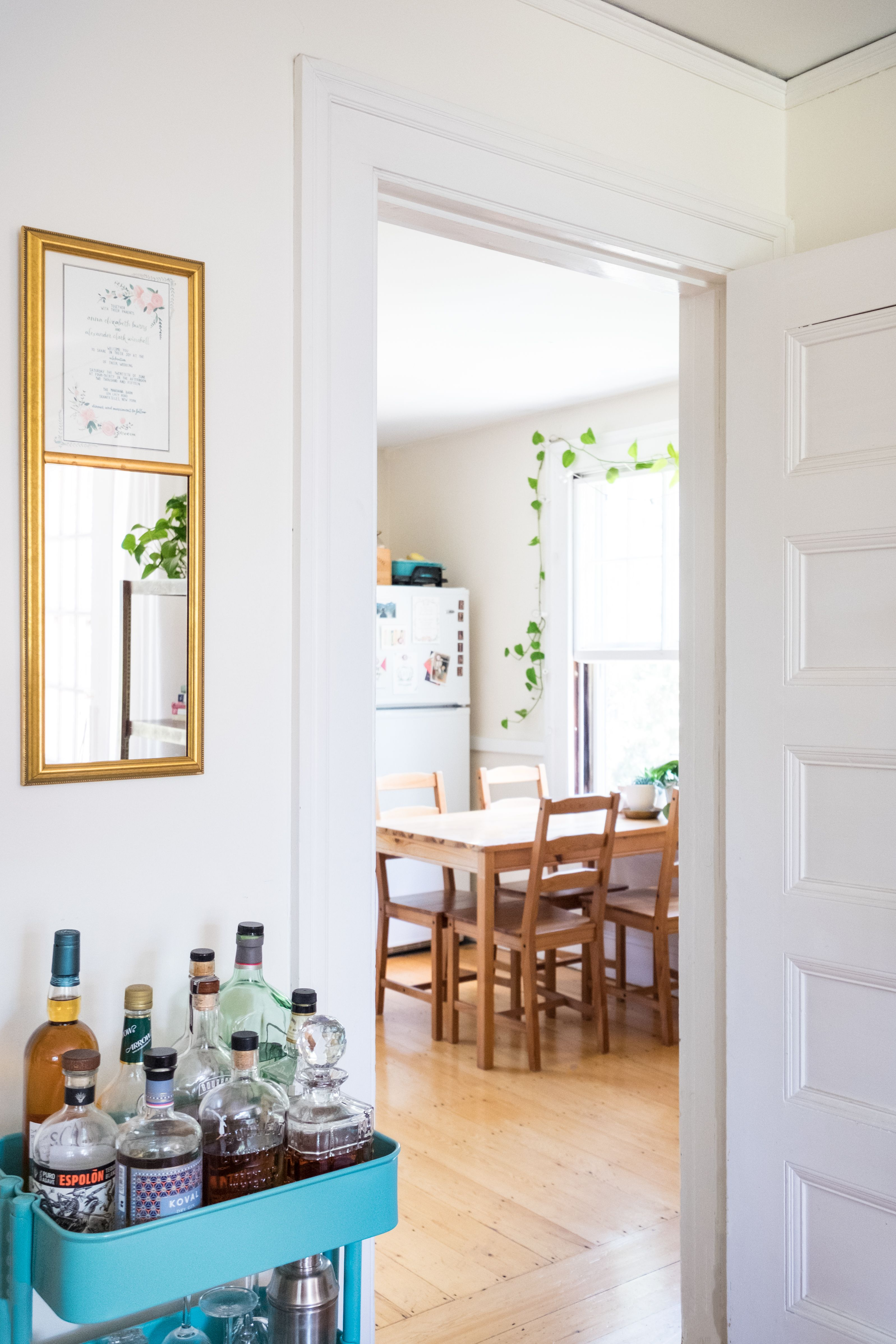 Paint colors that match this Apartment Therapy photo SW