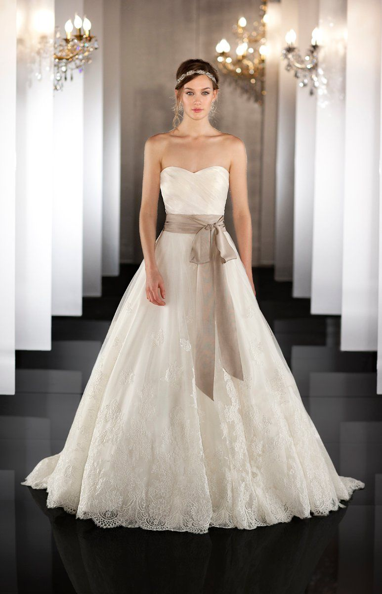 Classic Formal Vintage Ivory $$$ - $1501 to $3000 A-line Country ...