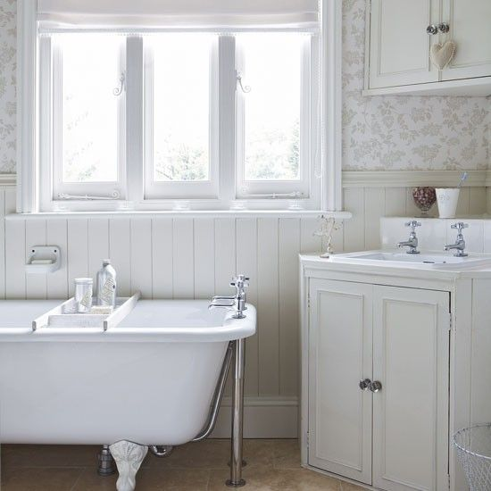 White country bathroom wood cladding floral wallpapers for Wood panelling bathroom ideas