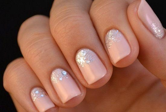 Блестки и гелевые ногти