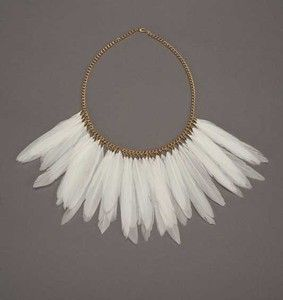 Necklace : Plume - feather necklaces, made by Rheanna Lingham, are incredibly eye catching. The chain is 18 inches long and the feathered section is 7 inches long. All jewellery findings are gold or silver plated and are nickel free. - 75 $