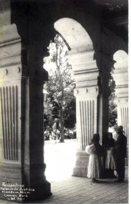 Portal del Palacio de Justicia en 1940