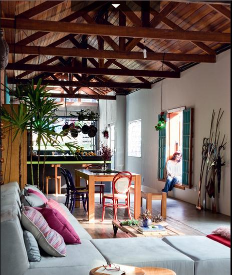 Js home collection un almac n convertido en una casa en for Decoracion de casas brasilenas