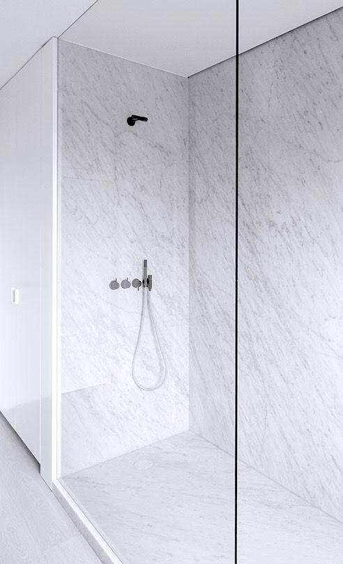 Rolies + Dubois bathroom M-M Antwerp #shower #bathroom Amazing