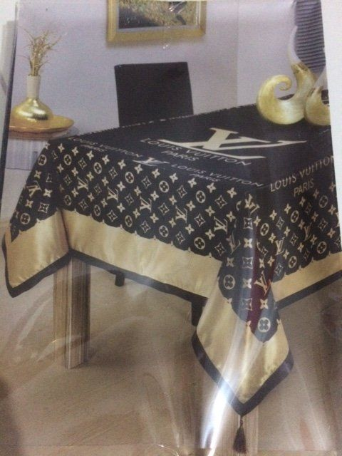 louis vuitton tablecloth table cloth louis vuitton allerlei pinterest wolle kaufen. Black Bedroom Furniture Sets. Home Design Ideas