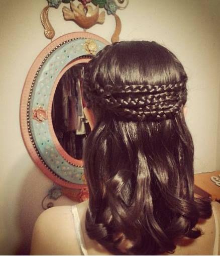 Peinado con trenzas y ondas en cabello mediano