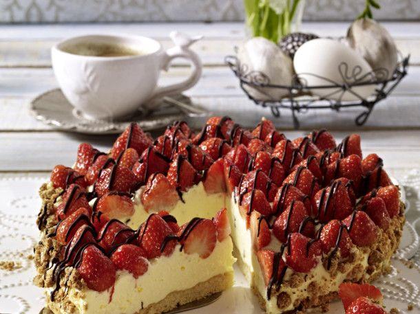 himmlische erdbeertorte torten erdbeertorte rezept torten und gebackene erdbeeren. Black Bedroom Furniture Sets. Home Design Ideas