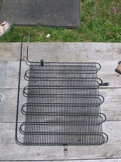 This Option Is Small Scale And It Is Built Around A Reclaimed Heat Dispersal System From An Old Refrigerator Whi Solar Thermal Panels Diy Solar Solar Heating