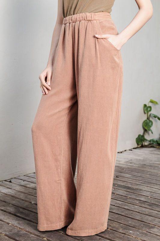 5d4d0efbd Calça pantalona - Flavia Aranha - 50%viscose linho Cós em seda com elastico  na frente. Bolso.