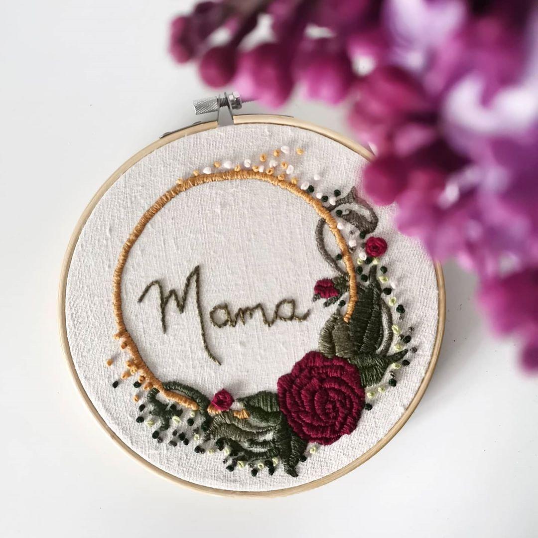 Polubienia 53 Komentarze 3 Handmade Embroidery Hoop Studio Na Instagramie Dzien Dobry Wszystkim Mamom Najlepszosci Coin Purse Purses Embroidery