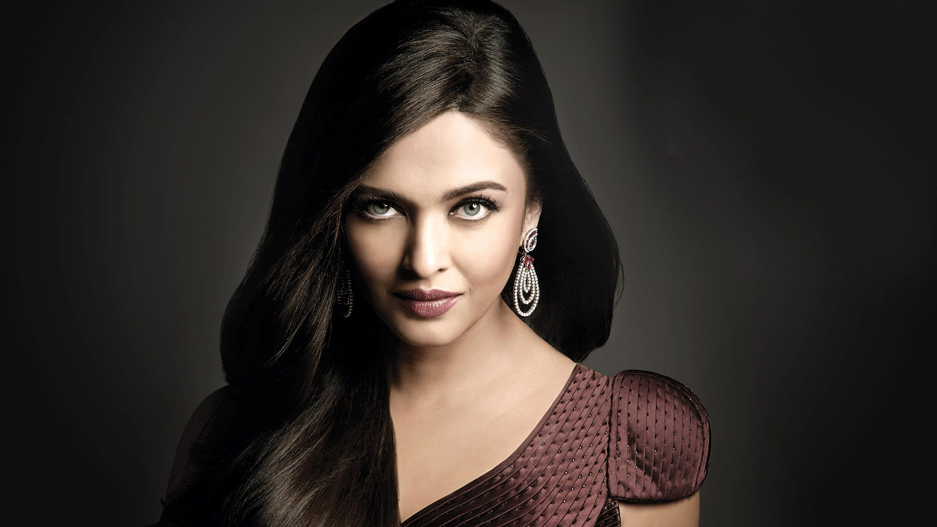 Http Wallpaperssfree Com Wp Content Uploads 2013 06 Aishwarya Rai Old Hd Wallpapers Jpg Aishwarya Rai Wallpaper Aishwarya Rai Aishwarya Rai Bachchan