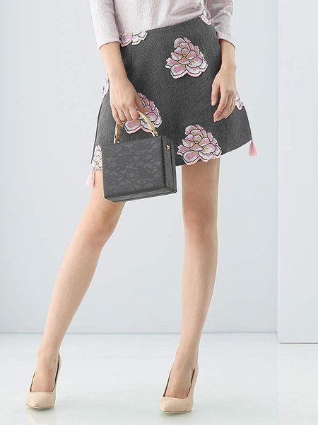 Shop Mini Skirts - Gray Casual Floral-embroidered Mini Skirt online. Discover unique designers fashion at StyleWe.com.