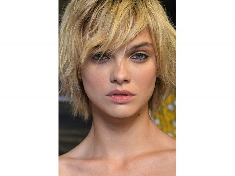 Immagini tagli capelli medio lunghi