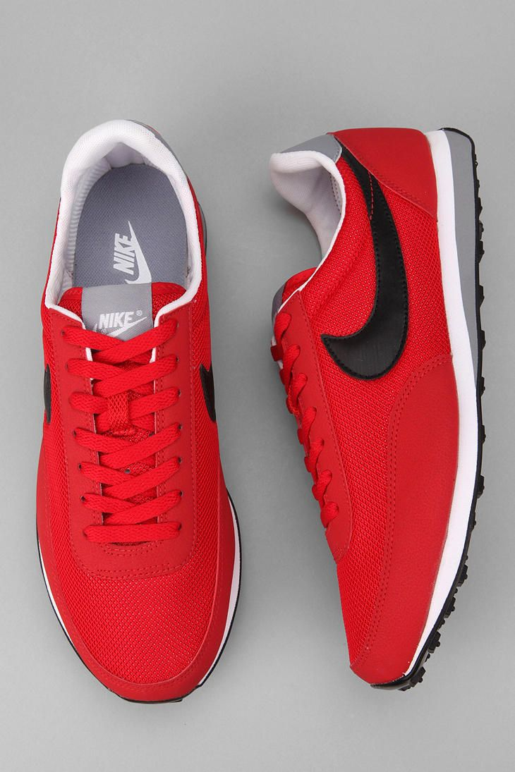 Urban Outfitters - Nike Elite Sneaker