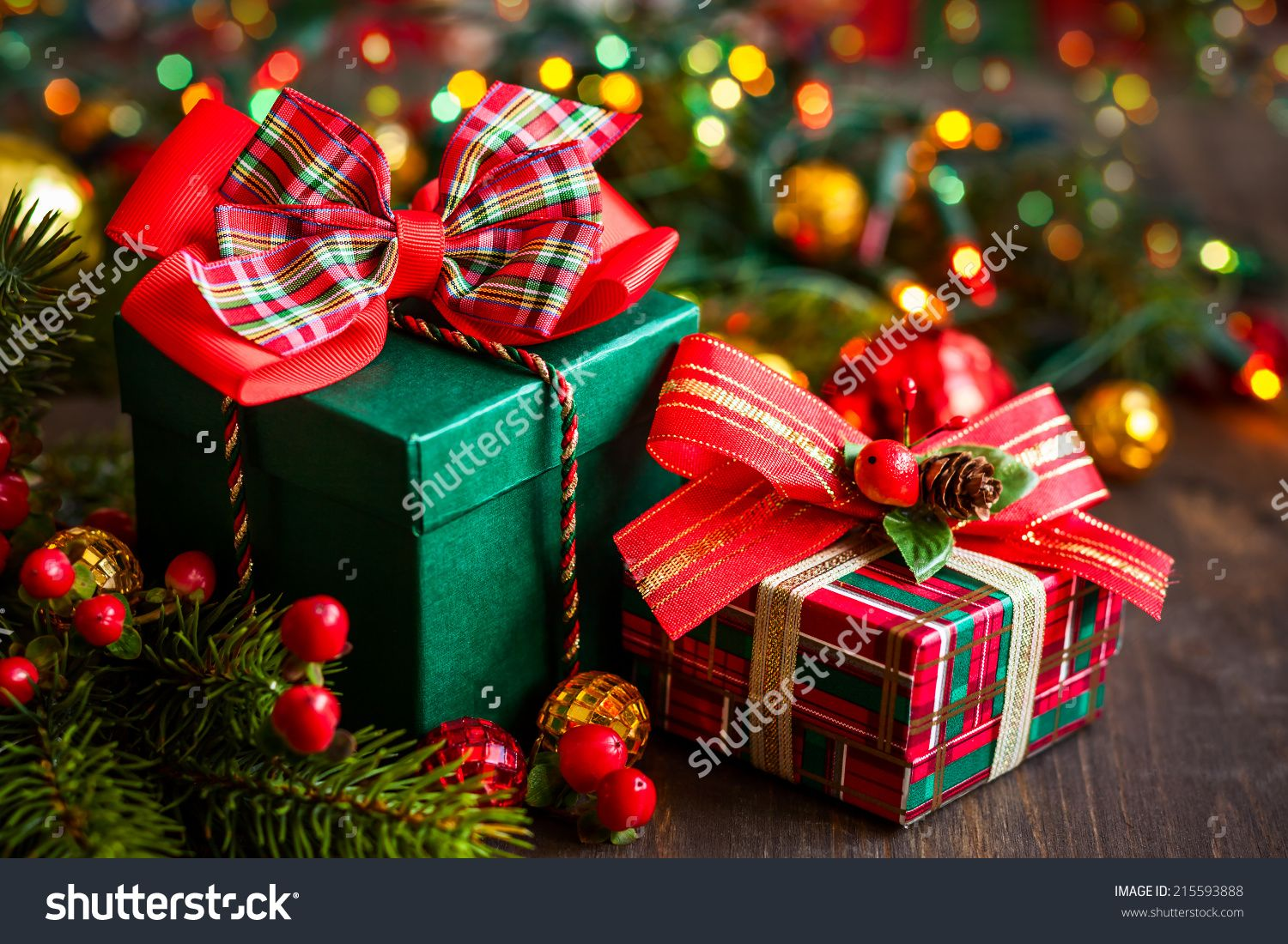 Christmas Gift Boxes With Decorations Foto Stock 215593888
