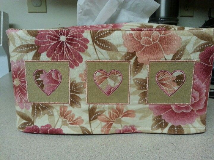 applique hearts tissue box cover  Here's the tissue box tutorial.  The hearts were my own idea. http://m.designsponge.com/2010/03/sewing-101-tissue-box-cover.html