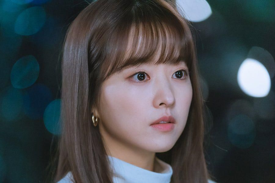 """Park Bo Young Talks About Her Role And Working With Seo In Guk, SF9's Dawon, And More In """"Doom At Your Service"""""""