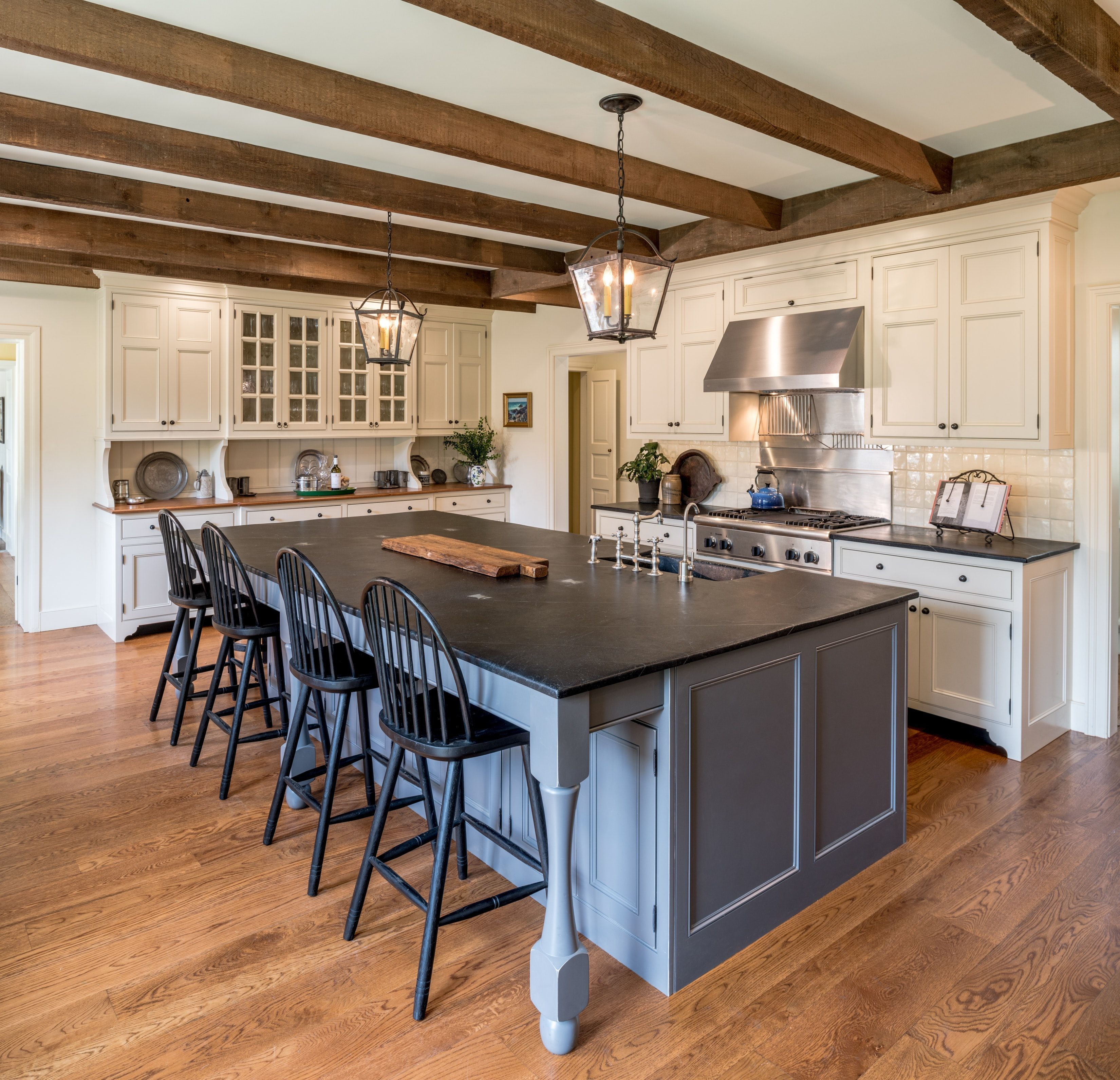 37 Nice Colonial Kitchen Decoration Ideas Hmdcrtn Kitchen Counter Decor Colonial Kitchen Kitchen Interior