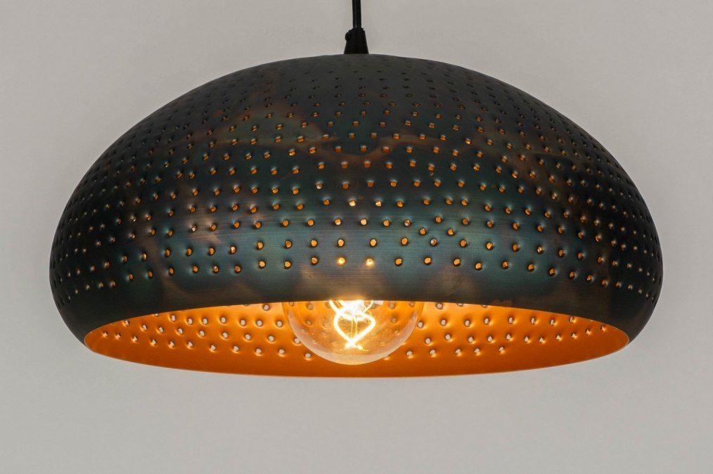 Box hanglamp met zwarte rechthoekige kap