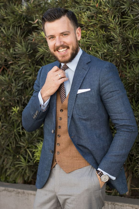 Love the open jacket. Different color vest. Texture of the fabric And casual  feel