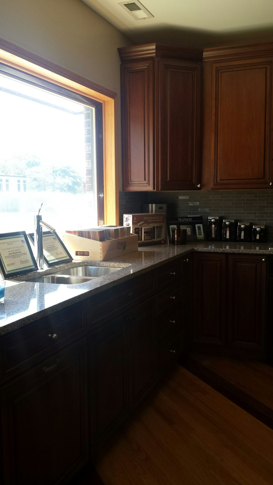 Come Visit Awesome Design Contracting Showroom In Elk Grove Village Cool Designs Home Decor Kitchen Cabinets