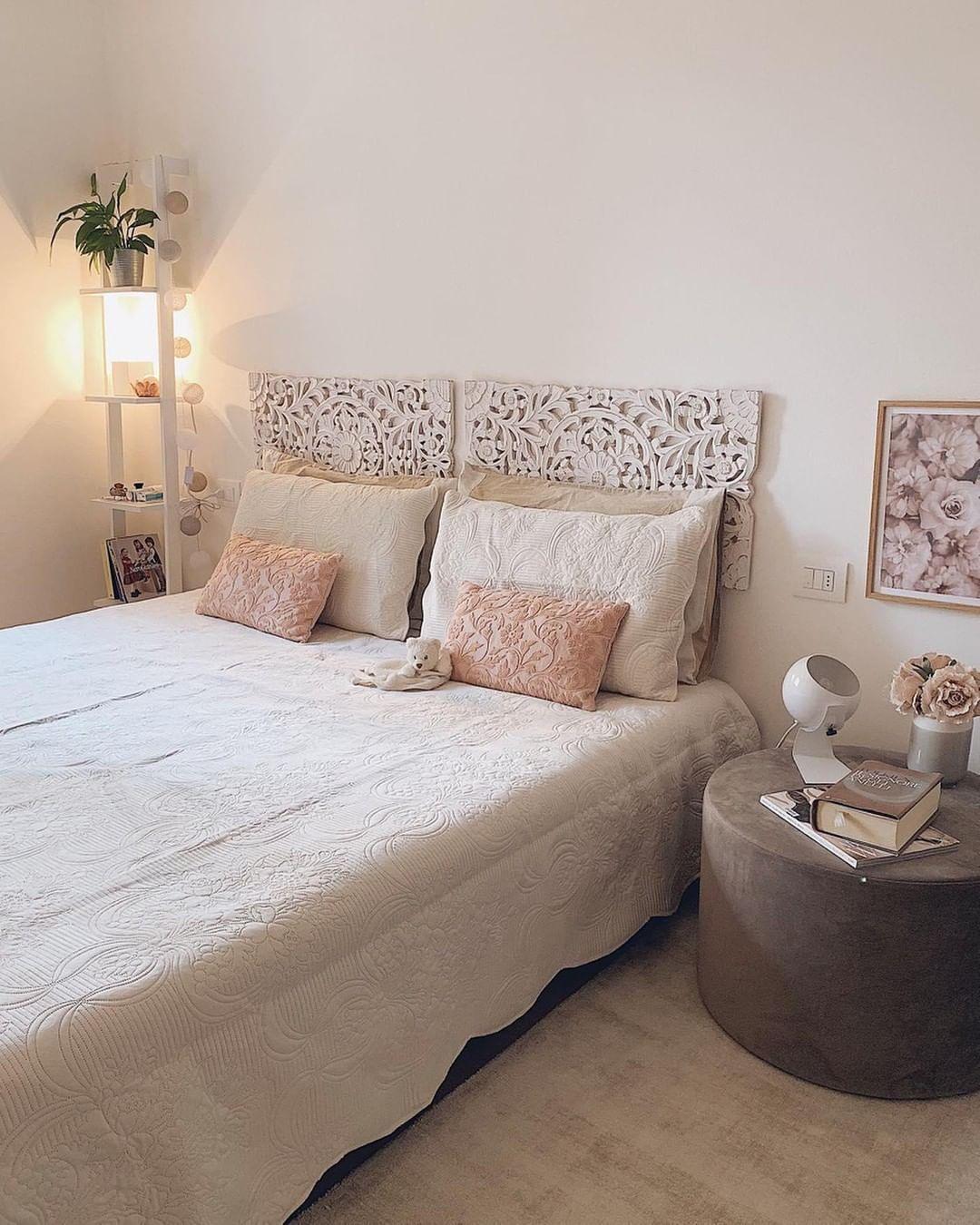 Westwing It On Instagram Come Comodino Scegliete Il Nostro Pouf Daisy Acquistatelo In Offerta Colorful Bedroom Decor Bedroom Inspirations Decor