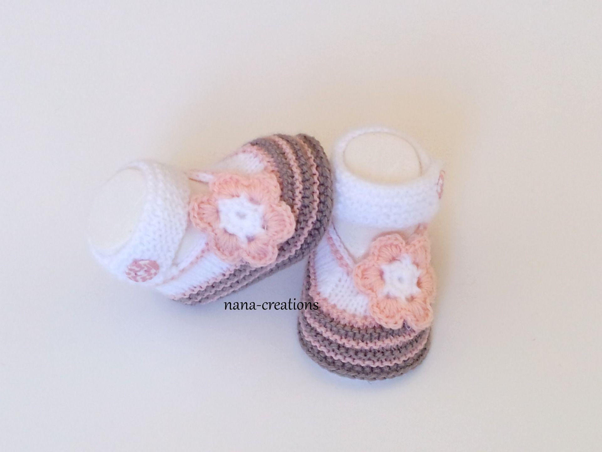 6d26983f9d0 Chaussons babies bébé tricotés en laine layette et son bouton fimo assorti