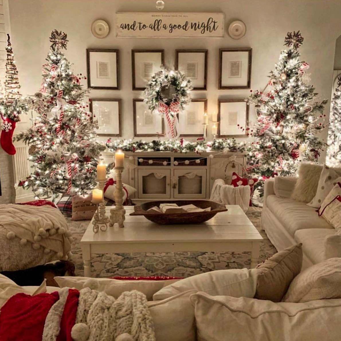 40 Cozy And Wonderful Rustic Farmhouse Christmas Decorating Ideas In 2020 Farmhouse Christmas Decor Christmas Decorations Living Room White Christmas Decor