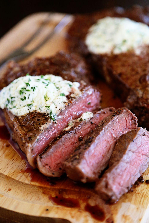 skillet steak mit gorgonzola kr uterbutter das beste steak wir je zu hause gekocht habe. Black Bedroom Furniture Sets. Home Design Ideas