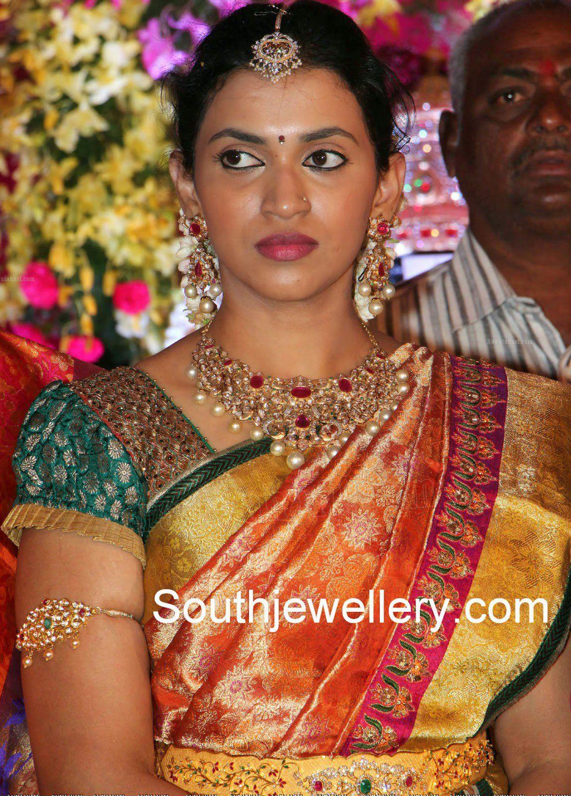 f7d9a212e2174 Kalyan Ram Wife Swathi in Diamond Necklace Set