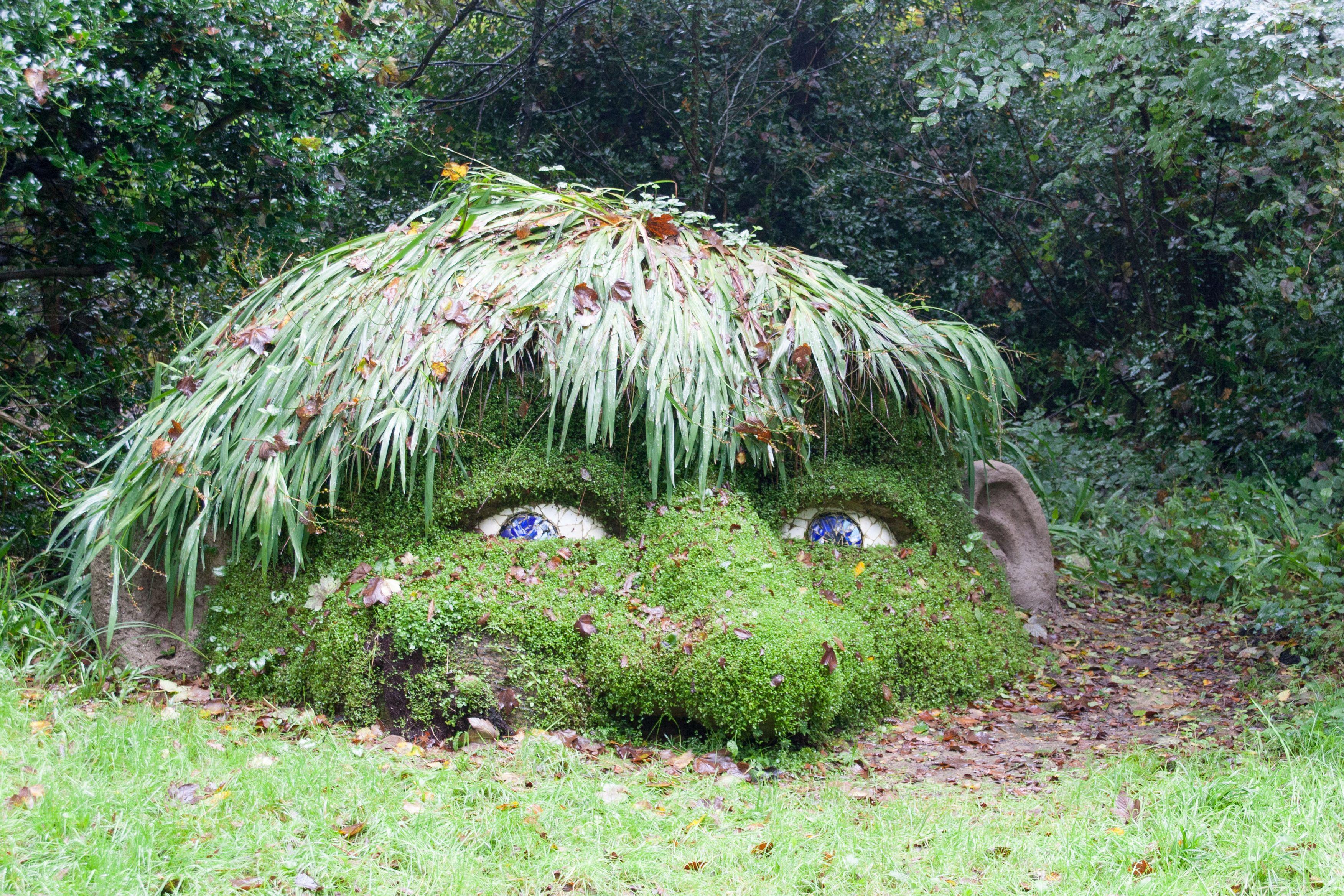 Lost Gardens Of Heligan Mudman Wie Cool Ist Dass Denn Das Ware Doch Mal Eine Idee Oder Lost Gardens Of Heligan Lost Garden Garden Town
