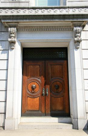 The entrance and wooden front doors of 973 Fifth Avenue, now owned by businessman Victor Shafferman.