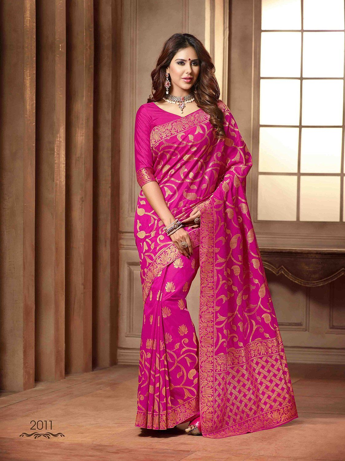 8bc07f1d1a Beautiful Pink Coloured Raw Silk Designer Saree: Amazon : Clothing &  Accessories http: