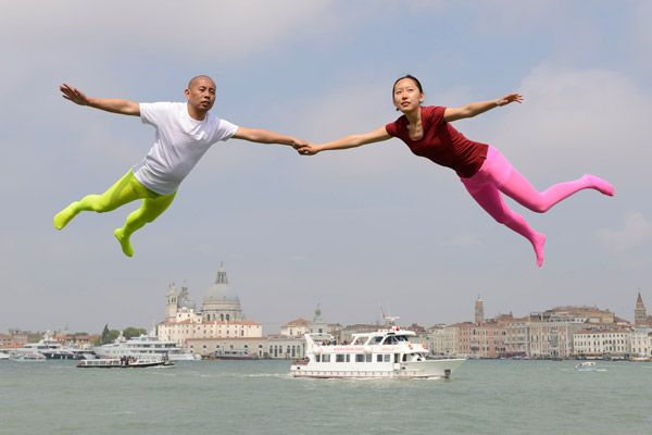 Magic love in Venice S. Valentine photography art 4 fun flying couple Liweiart-works_photo