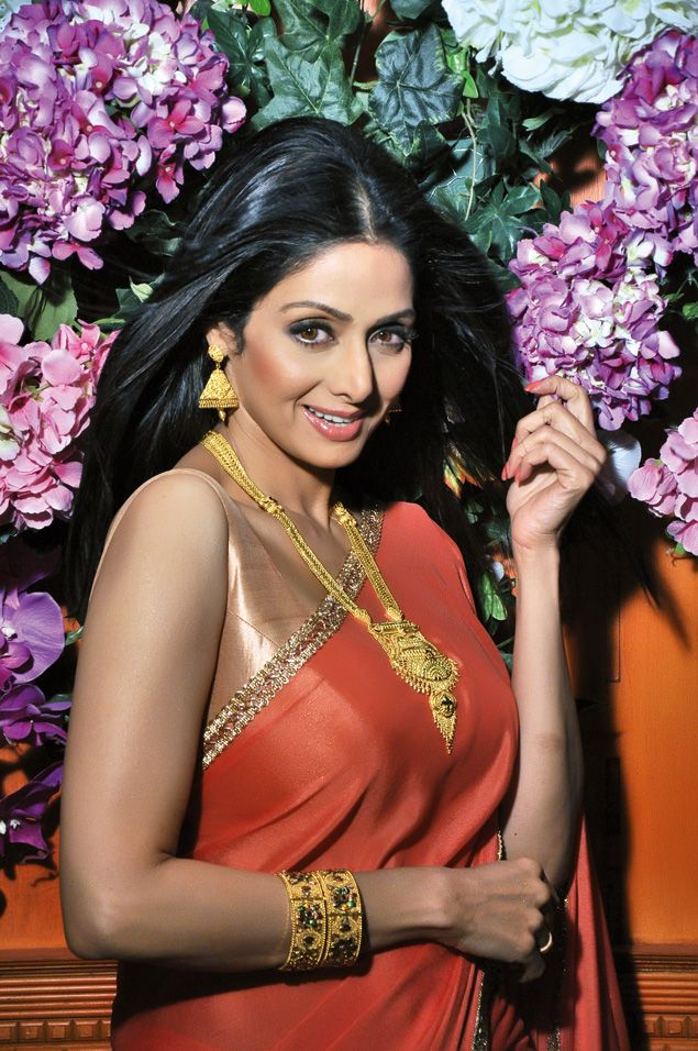 Flower power. #Svridevi #Bollywood