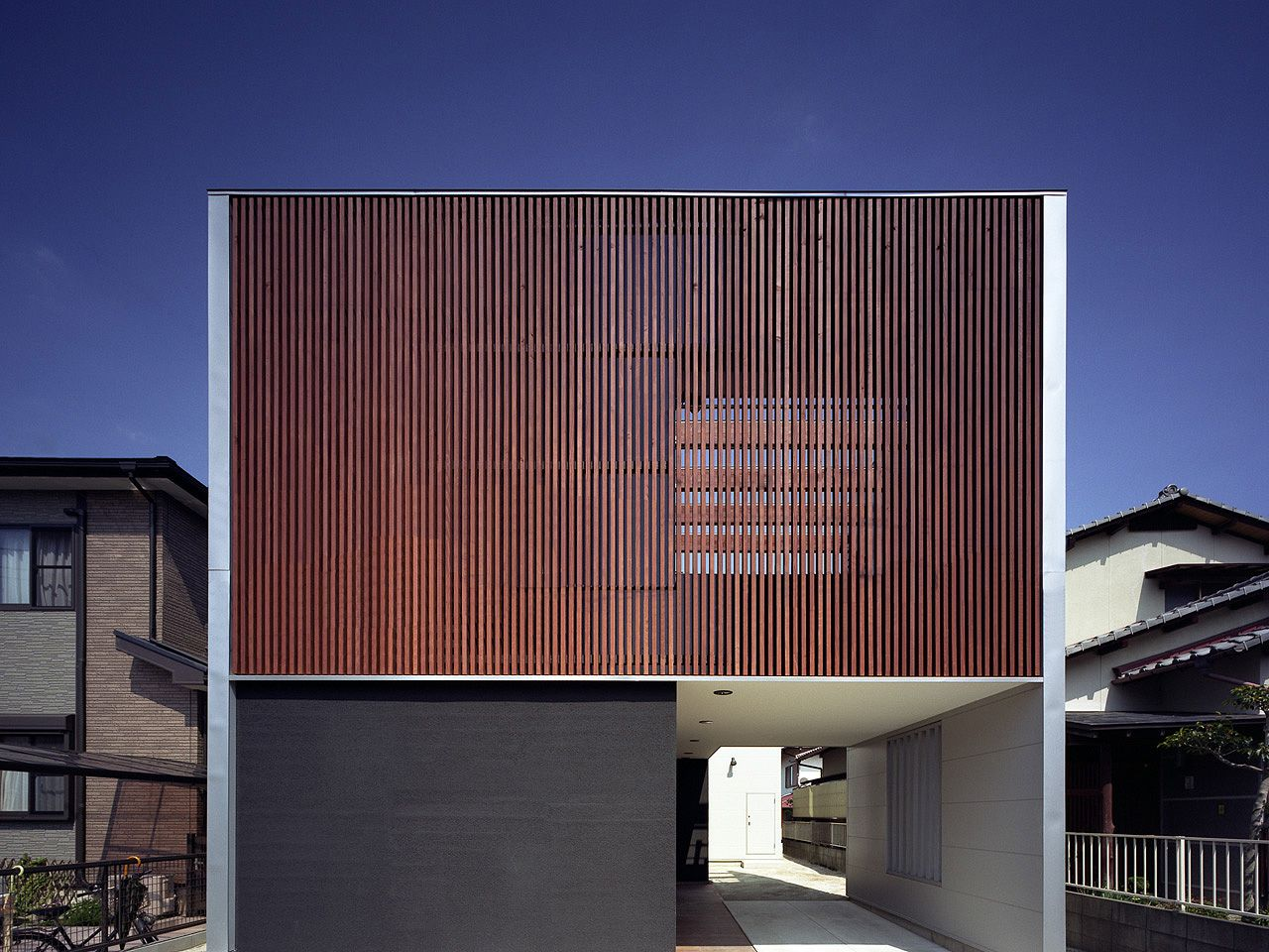 H h japanese house design pinterest architektur haus and holzfassade - Moderne architektur japan ...