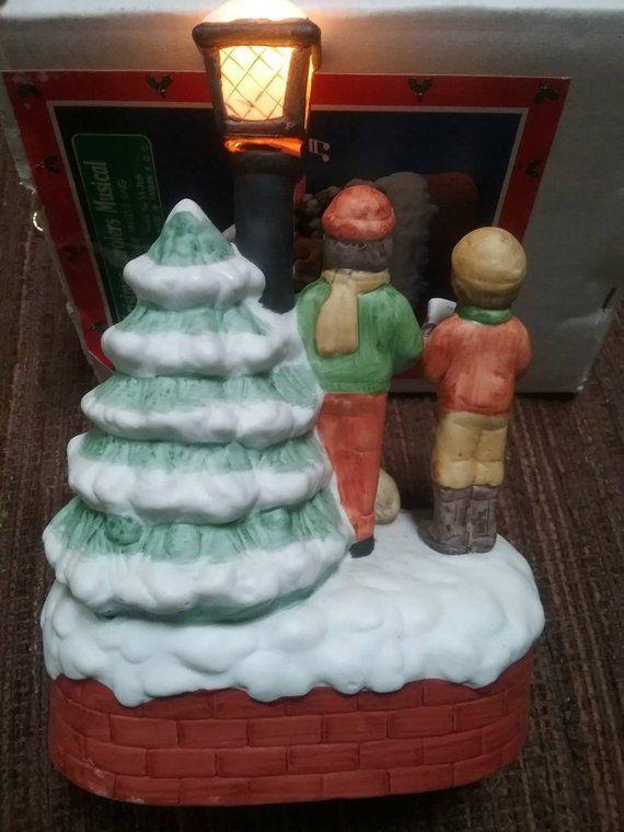 Christmas Around the World, Christmas Carolers Musical, Music Box