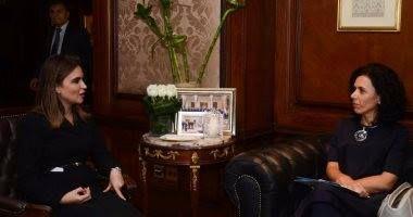 سحر نصر تبحث مع الجانب السلوفينى الترتيبات لزيارة رئيس سلوفينيا لمصر - كتب هانى الحوتى استقبلت الدكتورة سحر نصر وزيرة التعاون الدولى مساء أمس الاثنين تاتيانا ميشكوفا سفيرة جمهورية سلوفينيا لدى القاهرة فى إطار التنسيق المشترك بين الجانبين المصرى والسلوفينى للإعداد الجيد للزيارة المرتقبة لرئيس جمهورية سلوفينيا إلى مصر فى شهر ديسمبر المقبل حيث تتولى الوزيرة رئاسة الجانب المصرى فى اللجنة المشتركة مع سلوفانيا. وناقش الجانبان تعزيز العلاقات الثنائية بين البلدين فى المجالات الاقتصادية والاجتماعية…