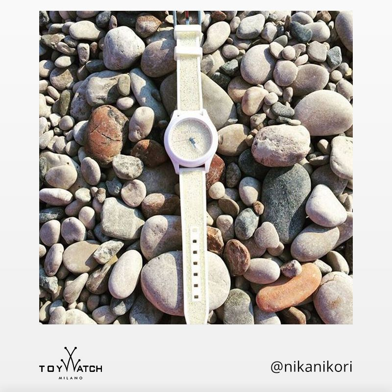 Sometimes, even our watches like to relax! Thanks for sharing your shot @nikanikori -  Show your ‪#‎TWlove‬ and use ‪#‎ToyWatch‬ to get a chance to be featured #TWlove #ToyWatch #watch #watches #style #fashion #accessories #forher #white #beach #stones #sun #summer