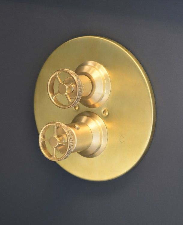 Brass 3 Valve Tub and Shower Fitting