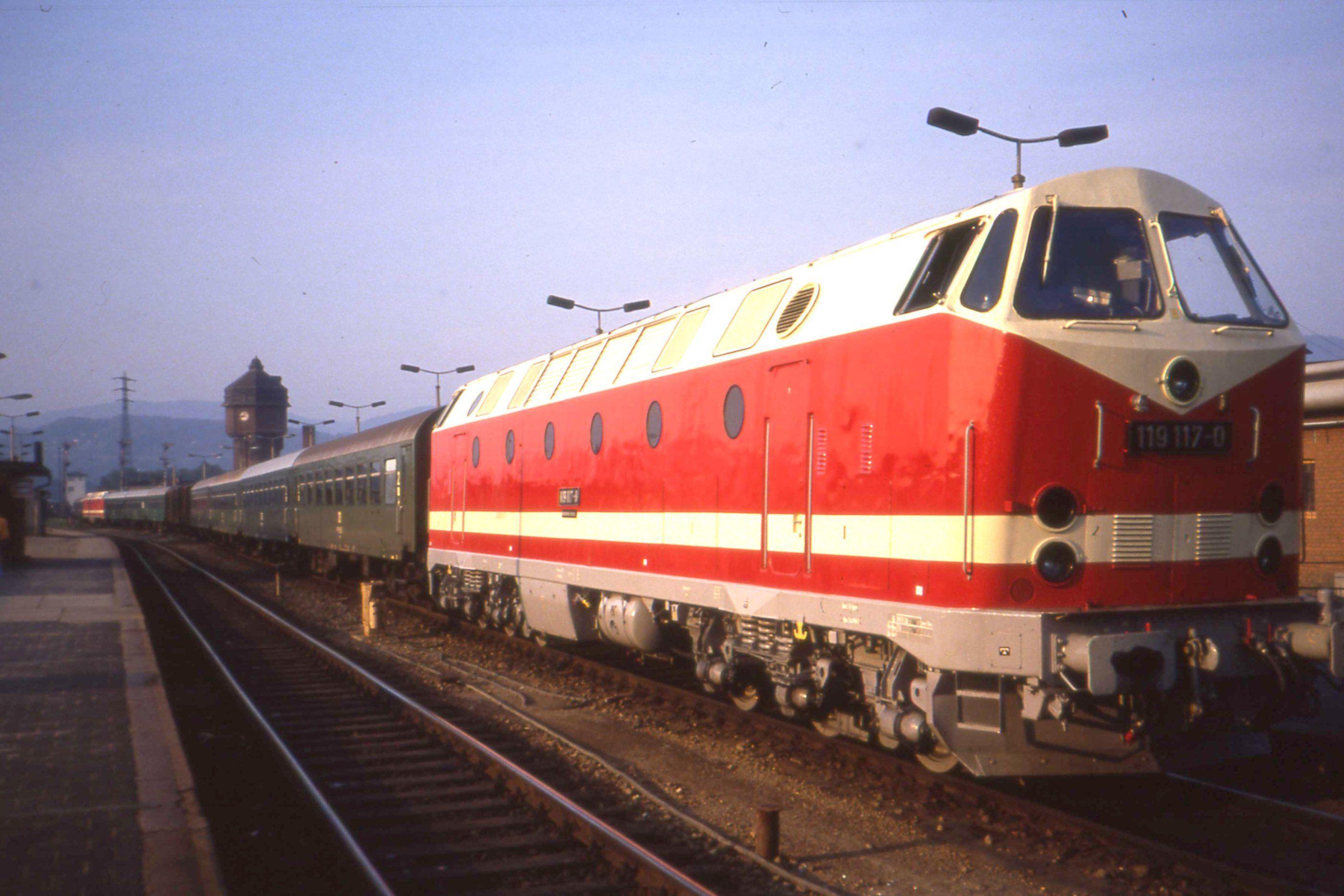 Ähnliches Foto | Trains/ diesel | Pinterest