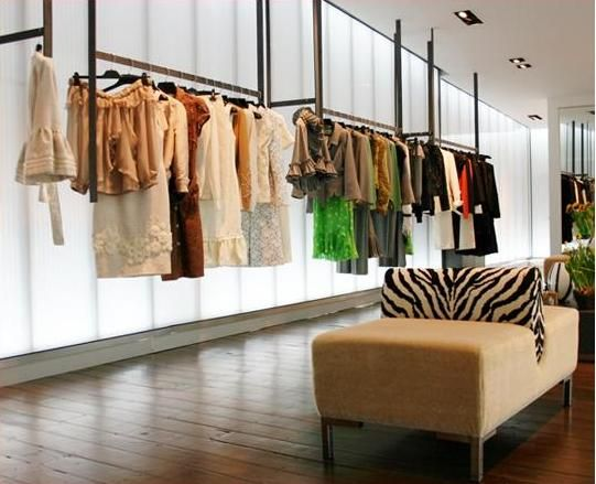 Mititique boutique interior design ideas for a luxury for Local home interior designers