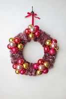 Flower Bauble Wreath DIY