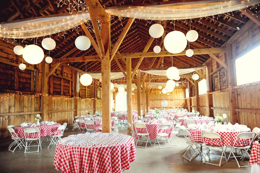 wedding ideas country theme countrybarnwedding everything but the table clothes 27838