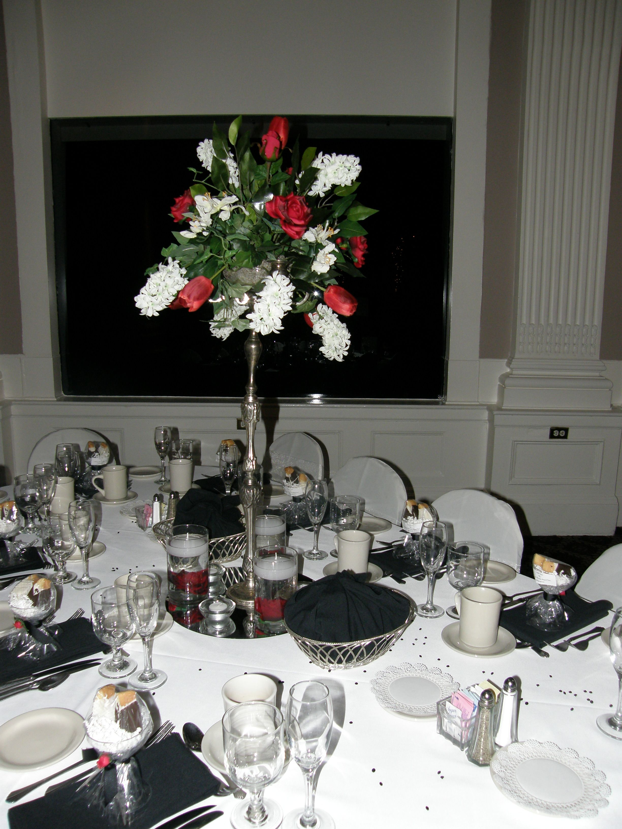 Another rental faux centerpiece...how elegant for only a