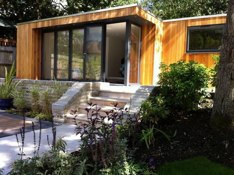 Amenagement Jardin En Pente Douce Et Revetement Facade En Bois Amenagement Jardin En Pente Amenagement Jardin Jardin En Pente