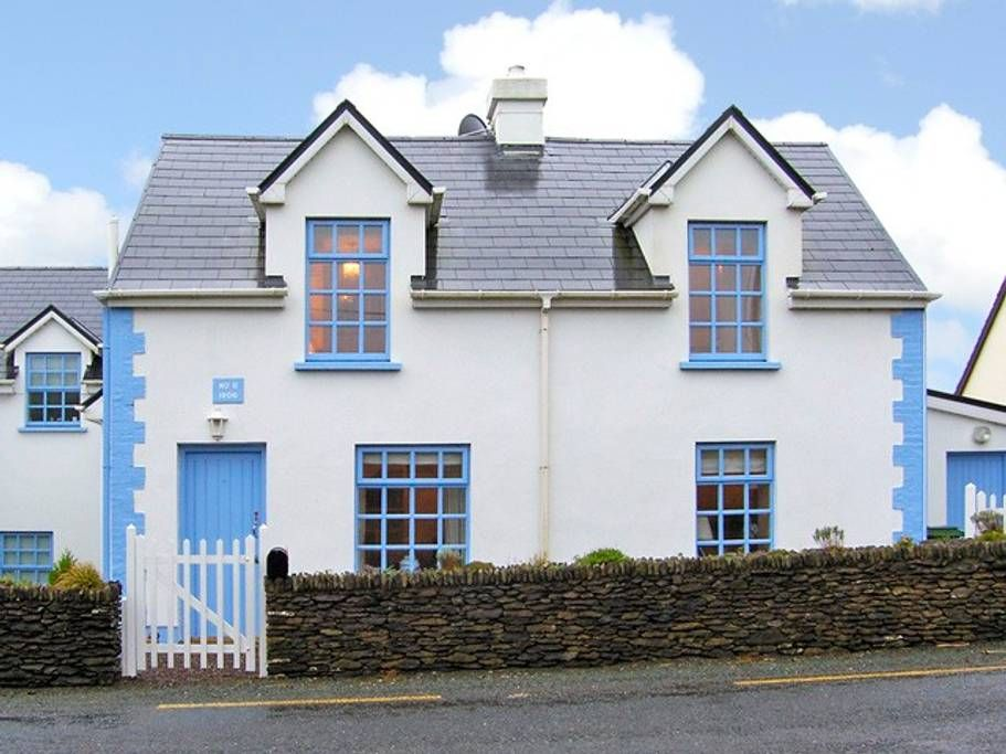 Awesome Charming Cottage In Dingle Ireland Vacation In 2019 Download Free Architecture Designs Xaembritishbridgeorg